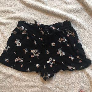 Side zipper soft shorts